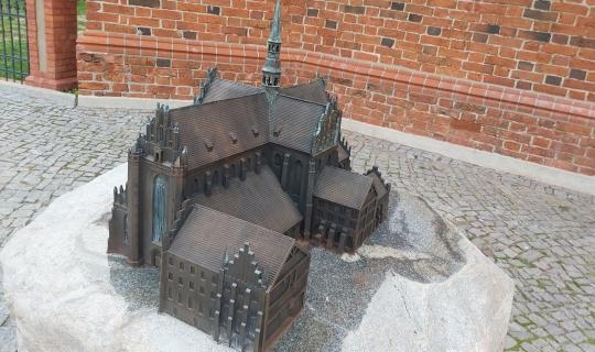 Pierwsza makieta katedry zagościła w Pelplinie